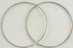 Nikkelkleurige koperen ring 40mm