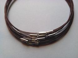 Spang met draaislot +/– 45cm lang Bruin