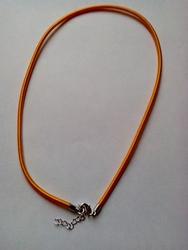 3mm zijde gekleurde ketting met verlengkettinkje #1 l-oranje