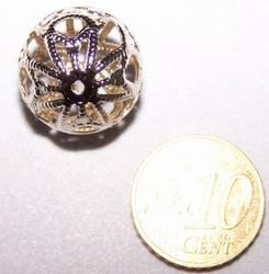 Grote lichtmetalen opengewerkte bal kraal 18mm
