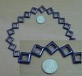Streng met +/- 23 hematiet vierkantjes